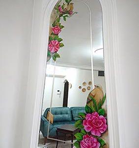 نقاشی پشت آینه